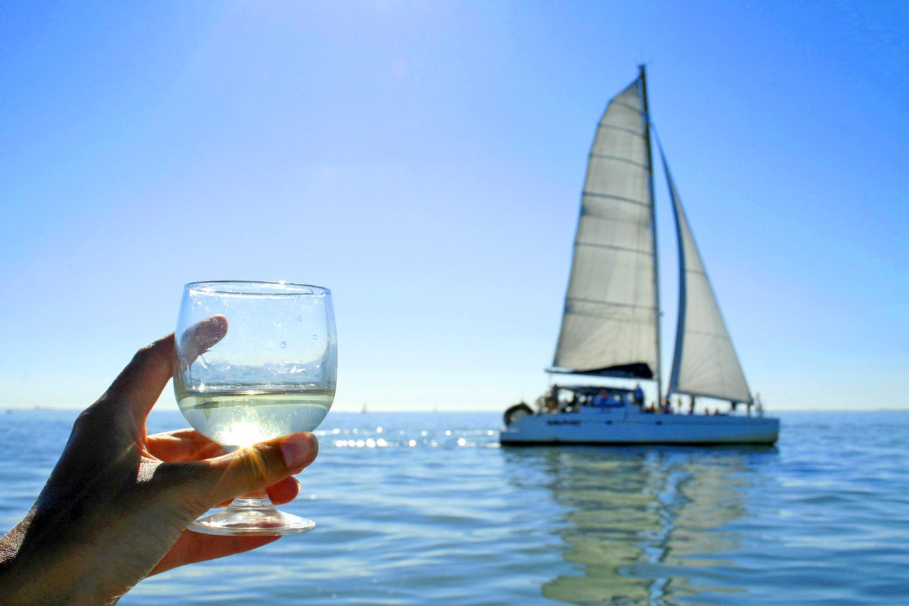 Naviguez sur un maxi catamaran